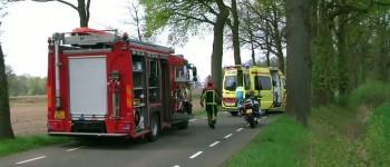 Brandweer bevrijdt bestuurster uit voertuig in Neede