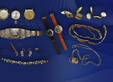 Gezocht – Rechtmatige eigenaar gestolen sieraden, horloges en tv onbekend