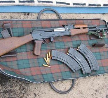 Nijkerk – Gezocht – Zware wapens buitgemaakt bij inbraak