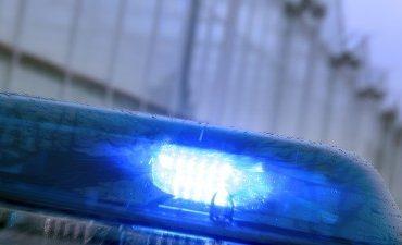 Apeldoorn – Fietser lichtgewond na aanrijding met politieauto