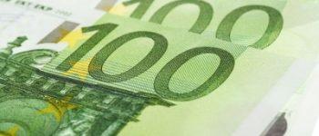Rotterdam – Politie Rotterdam houdt man met bakken geld aan