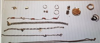 Gezocht – Wie herkent deze sieraden?