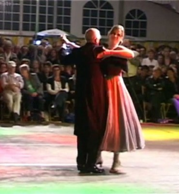 Dancing aan t Knoal Musselkanaal