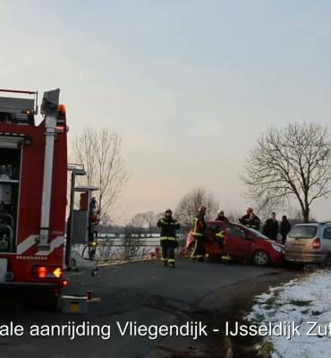 Frontale aanrijding Vliegendijk Zutphen