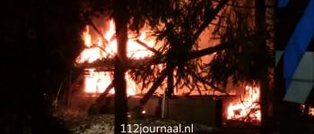 Uitslaande brand legt vakantiehuisje volledig in de as, Schaijkseweg Herpen