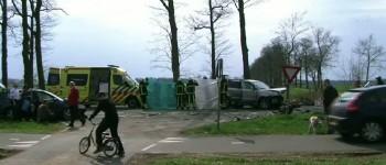 Bestuurder gewond bij frontale botsing Diepenheimseweg in Neede