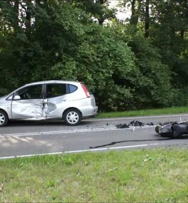 Motorrijder ernstig gewond bij ongeval op Koesteeg