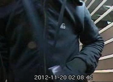 Gezocht – Inbraak, bruut geweld en geldopname met gestolen bankpas