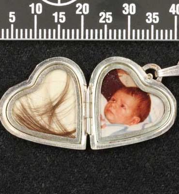 Gezocht – Van wie zijn deze in beslag genomen sieraden en horloges?