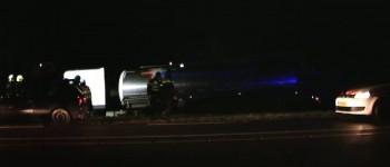 Vrachtwagen raakt van de weg op N18 Varsseveld