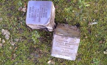 Holten – Gestolen 'stolpersteine' weer boven water