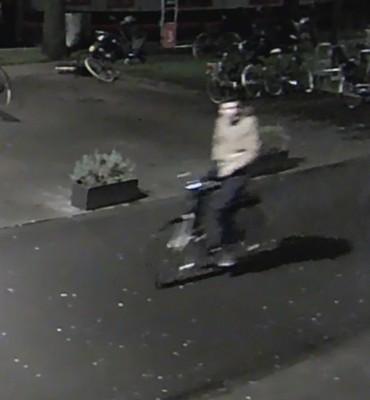 Amsterdam – Gezocht – Verkrachter gezocht