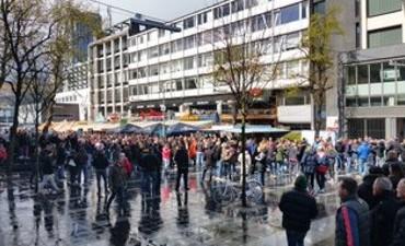 Rotterdam – Drie agenten gewond en 59 arrestaties bij bekerfinale
