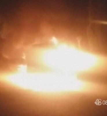 Veen – Gezocht – brandstichting politieauto