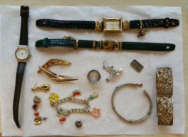 Gezocht – Van wie zijn deze sieraden en bankbiljetten?