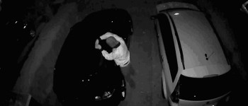 Almelo – Gezocht – Vernieling bedrijfsauto