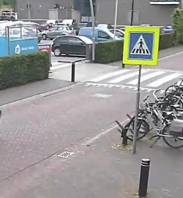 Asten – Gezocht – Wie fietst er hier op een gestolen fiets weg?