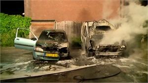 Lelystad – Gezocht – Auto's in brand gestoken