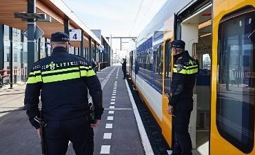 Arnhem – Treinpassagier opgepakt na gebruik pepperspray