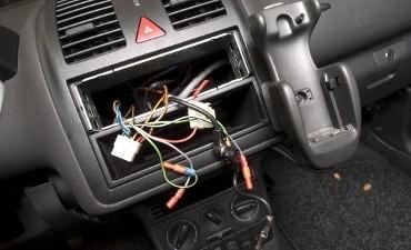Apeldoorn – Twee autokrakers via track-en-trace opgespoord en aangehouden