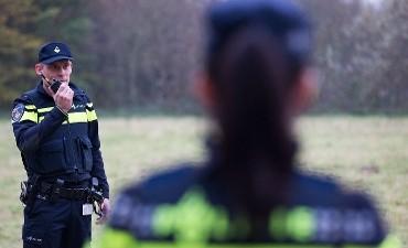 Rotterdam – Politie houdt wegvluchtende bromfietser aan