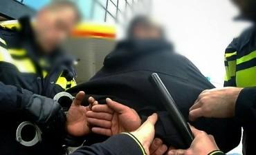 Deventer – Man opgepakt na bedreiging met bijl