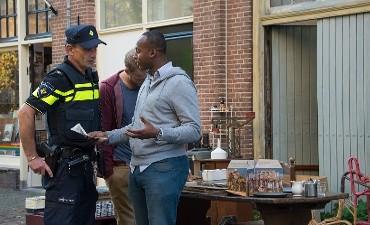 Spijkenisse – Politie zoekt getuigen verwarde man met mes Spijkenisse