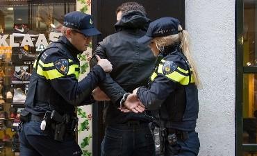 Rotterdam – Twee aanhoudingen voor beroving Paulus Potterstraat