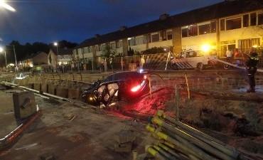 Rotterdam – Vijf aanhoudingen na ongeval met gestolen auto in Rotterdam IJsselmonde