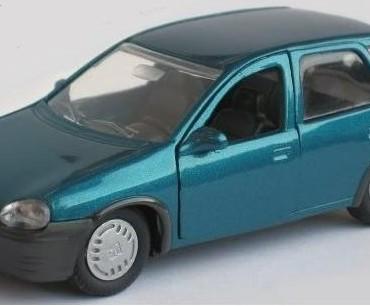 Dordrecht – Gezocht – Leidt een blauw-groene Opel Corsa naar daders overval Jumbo Merwedestraat?