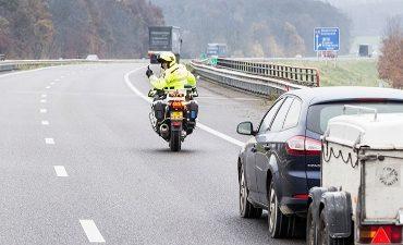 Utrecht – Zwolle – Man richt wapen op vrouw bij verkeersconflict
