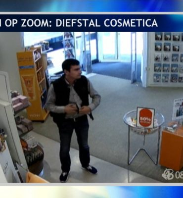 Bergen op Zoom – Gezocht – Diefstal cosmetica bij apotheek
