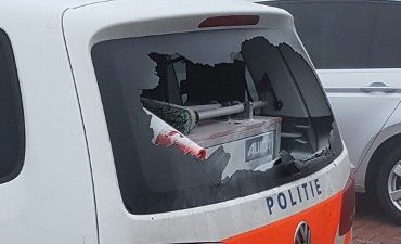 Vlissingen – Drie politieauto's bij garagebedrijf vernield