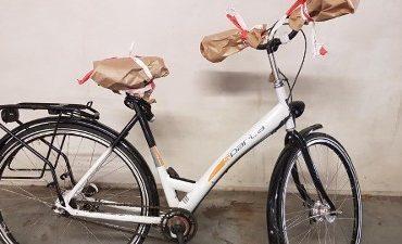 Harderwijk – Politie zoekt in onderzoek straatroof tips over petje en fiets