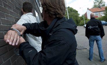 Utrecht – Politie houdt verdachten van poging autoinbraak aan