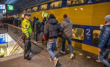 Driebergen, Lage Zwalwe – Aanhoudingen voor cocaïnesmokkel per trein