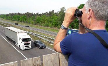 Asten – Weer veel bellende chauffeurs bekeurd op A67