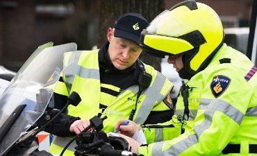 Leiderdorp – Politie en belastingdienst houden verkeerscontrole