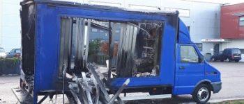 Huissen – Politie zoekt getuigen na brand in bestelbus