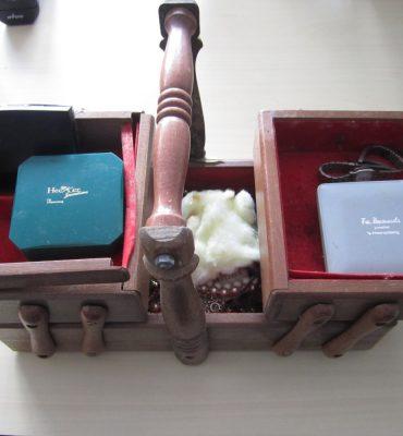 Gezocht – Kistjes met sieraden aangetroffen langs snelweg, onderzoek A12