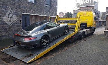 Rijen, Tilburg – Drugs, materialen voor hennepkwekerij en dure auto in beslag genomen