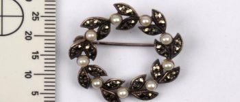 Gezocht – Grote partij sieraden gevonden bij huiszoeking
