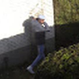 Arnhem – Gezocht – Buurtbewoner betrapt woninginbreker op heterdaad