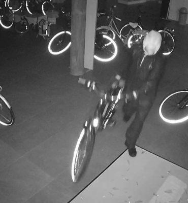 Rijswijk – Gezocht – Diefstal uit fietsenwinkel Generaal Eisenhouwerplein Rijswijk