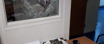 Zierikzee – Vrouw aangehouden na vernieling politiebureau