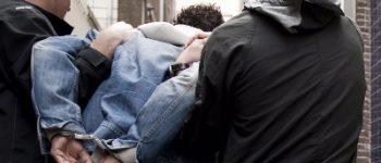 Den Haag – Agenten raken gewond bij sussen ruzie