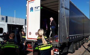 Sliedrecht – Dertien illegale Eritreeërs in Spaanse vrachtwagen