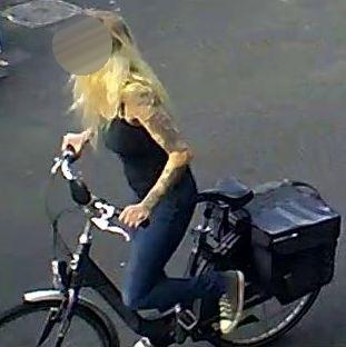 Hengelo – Gezocht – Opvallende vrouw steelt e-bike