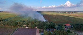MUSSEL – ( video )Aan de Kopstukken in Mussel is rond 18.20 uur brand uitgebroken in een woonboerderij.
