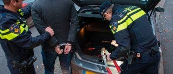 Vriezenveen – Man met inbrekerswerktuig en wapen aangehouden na achtervolging